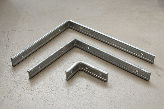 SHELF BRACKET GALVANIZED